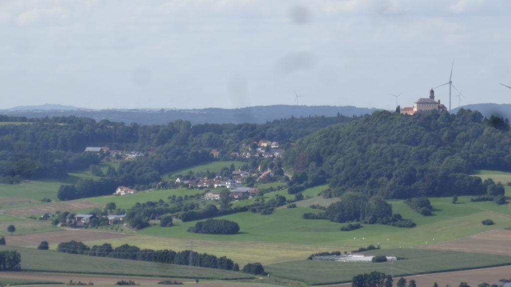 Blick auf Schloss Baldern (23)