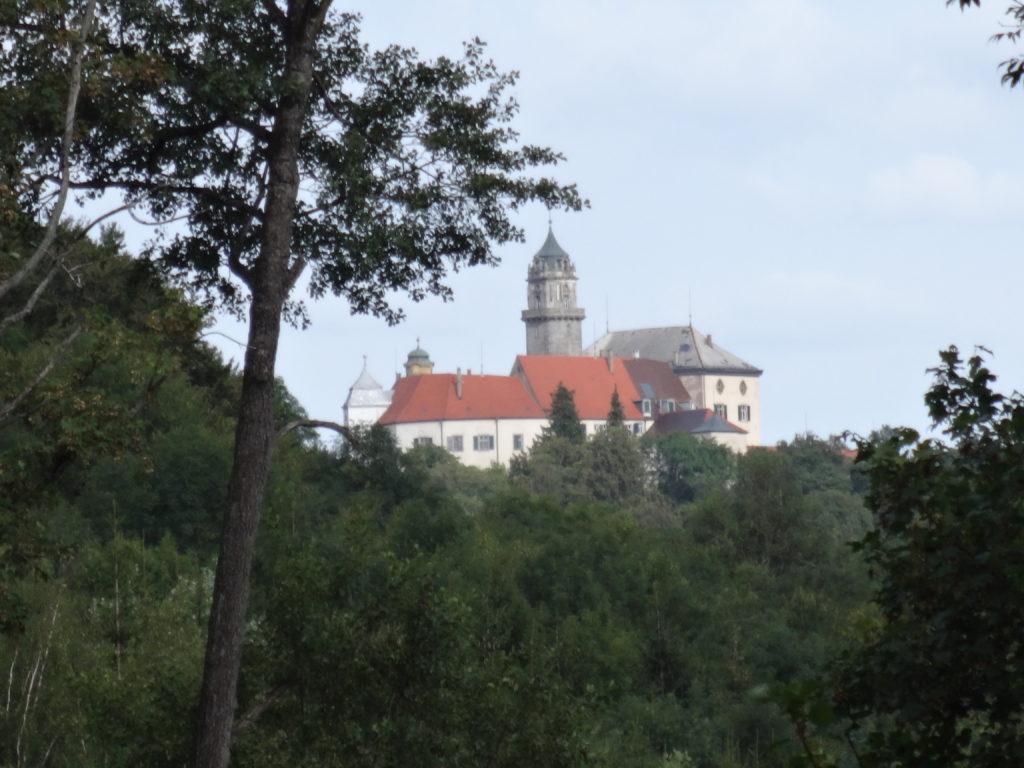 Blick auf Schloss Baldern (75)