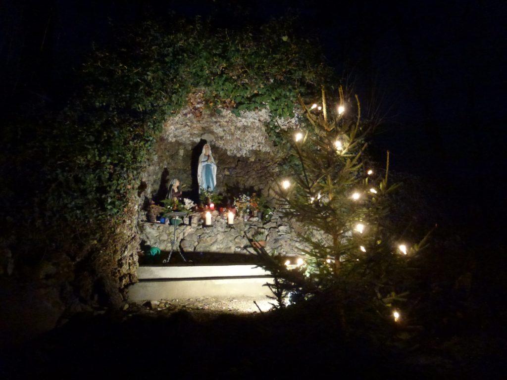 Lourdes Grotte in Aufhausen (3)-min