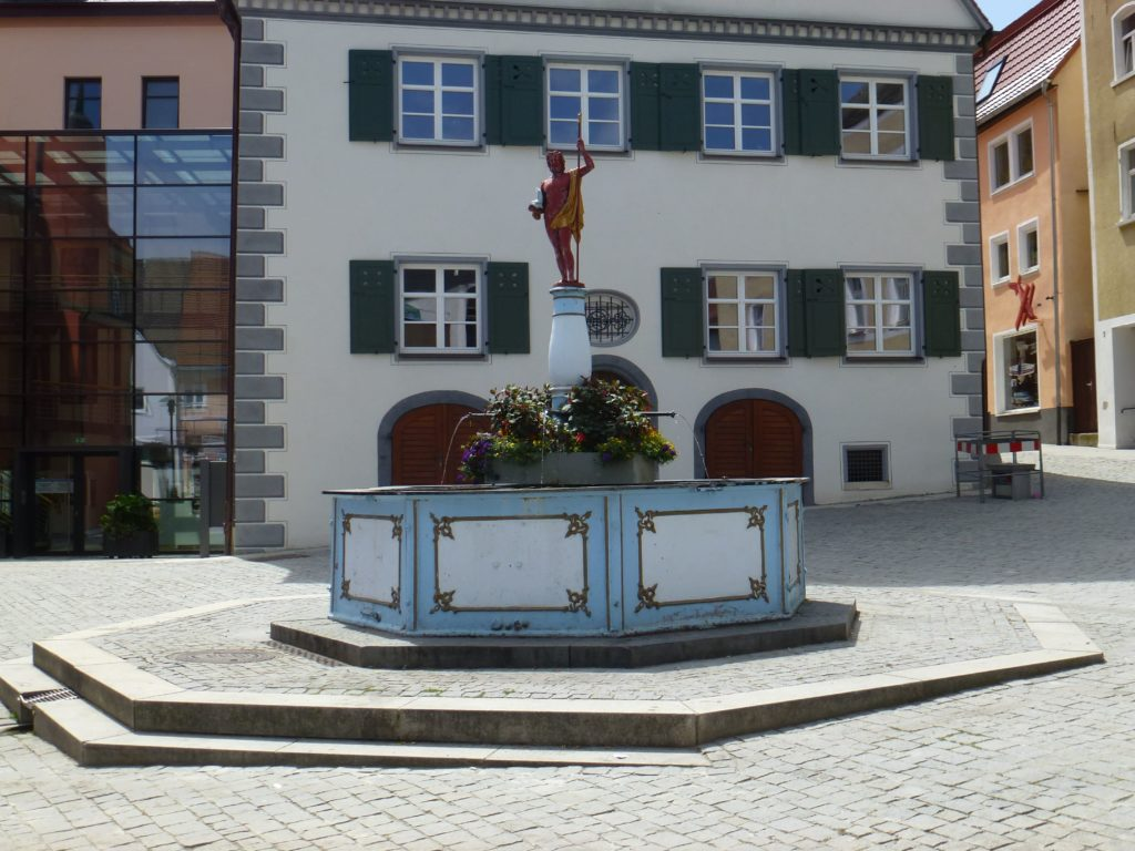 Marktbrunnen am Marktplatz Bopfingen-min